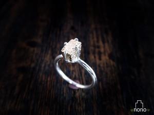 「Ishi Ring」 <silver> 宝石のかわりに石垣の石を掲げた、石垣マニア推薦のリング(シルバー)