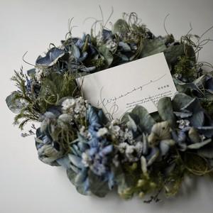 シルバーブルーの紫陽花とユーカリのリース