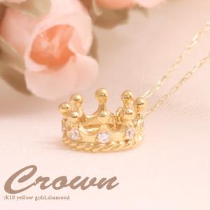 K10YG・ちょっと贅沢にダイヤを8個もちりばめた王冠モチーフのプチネックレス