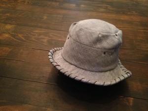 コットン・ブルーグレイの柔らかい帽子 アシメトリーなツバ 春夏秋(大黒摩季さんモデル)