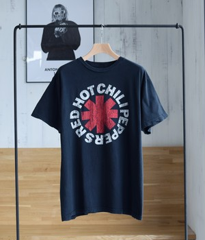 VINTAGE BAND T-shirt -RED HOT CHILI PEPPERS-