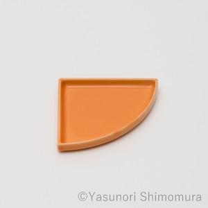 有田焼皿 | Quarter Plate beige
