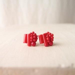 【天然石の刺繍ピアス】 Red coral