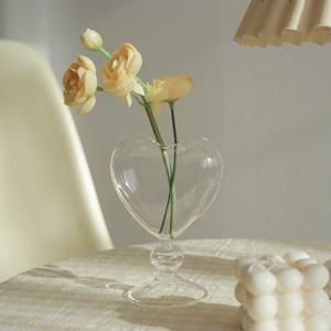 clear heart vase / クリア ハート ベース ガラス 花瓶 ハート形 ディフューザー ボトル オブジェ 韓国 雑貨