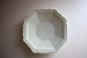 土井善男|乳白釉8角輪花皿