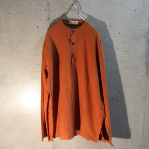 Long sleeve cotton pullover shirt