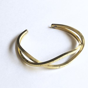 Waving cross bangle No.804