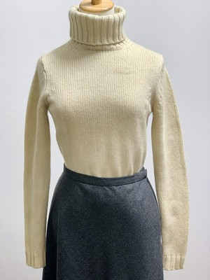 Old Cashmere Low Gauge Turtleneck Sweater