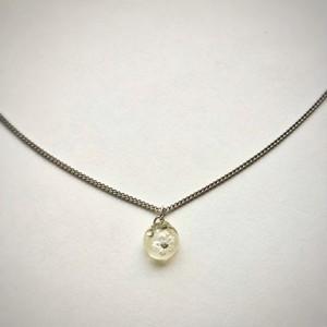 和風 ひと粒シルバーネックレス 白い桜 Japanese style small one drop silver plated necklace White cherry blossom