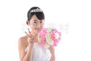 【0131】ブーケを持つ花嫁