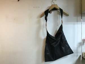 """whowhat """" WRAP BAG S """" CHARCOAL GRAY """""""
