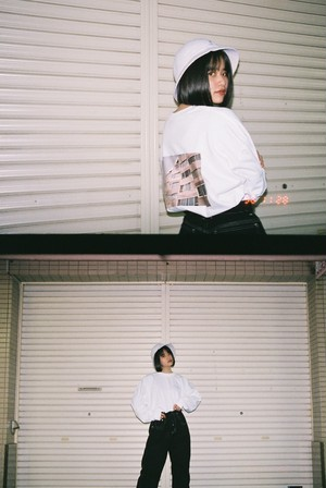 connecter tokyo back print long sleeve tee  White