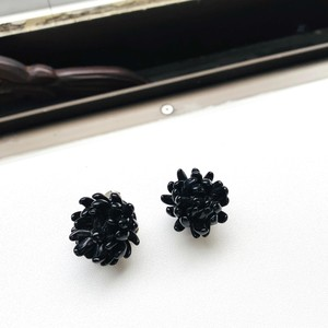 独ヴィンテージ・Black floral イヤリング