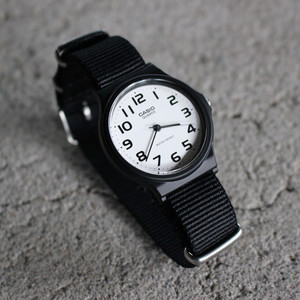 << 今なら送料無料!! >> CASIO BASIC WATCH 01 [ NATO type ストラップ ]