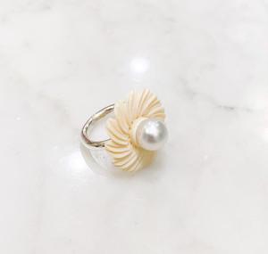 鯨歯の花と南洋真珠のシルバー台リング2