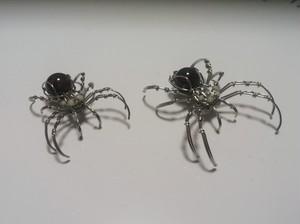 蜘蛛 イヤーカフ