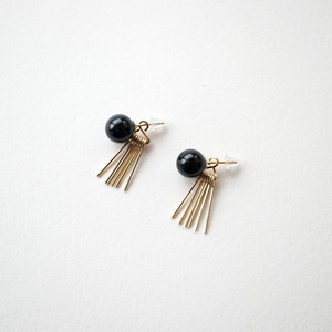 Onyx&fringe pierce