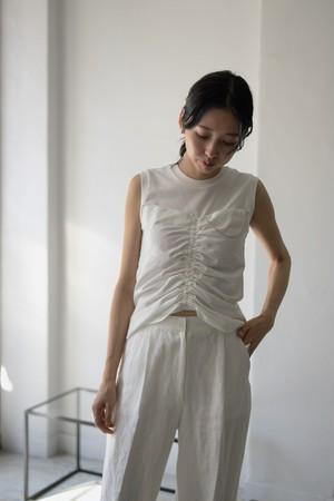 YOHEI OHNO / front shirring sleeveless top (white)