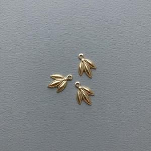 USA真鍮 ドット入り笹の葉チャーム