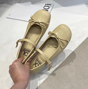 レトロストラップパンプス リボン 可愛い 春 秋 フェミニン 靴 韓国