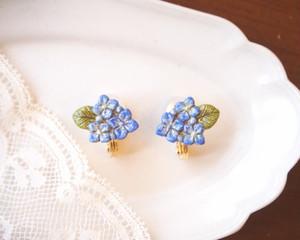 雨粒アジサイのイヤリング(ブルー)