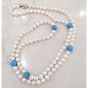 真珠とスジ彫りトルコ石のロングネックレス