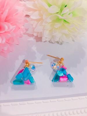 三角シェル♡キラキラピアス♡