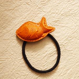 ちび鯛くんのヘアゴム(茶色)