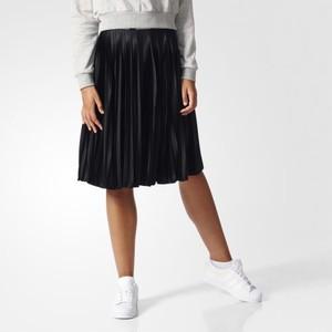 (アディダス オリジナルス) adidas Originals BK6187 WOMEN LOGO PLEATED SKIRT オリジナルス スカート BLACK