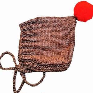 (予約オーダー:発送10月中旬)6か月~4歳 手編みボンネット帽Brown(Red ボンボン)