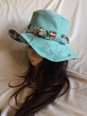 つば広日よけキャプリーヌ帽子CLミントブルー×ボタニカル水色