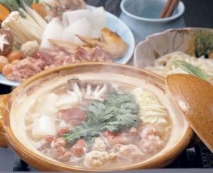 今こそ、旅館の味をご家庭で!八景のお鍋リピート第2位 地鶏のみそ鍋セット(送料込)