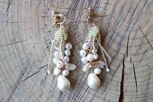 taresagaru ohana earrings/pierce (green)