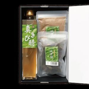 『純黒糖』&『真きび酢』ギフト|奄美 加計呂麻島 黒砂糖 きび酢 通販|タイケイ製糖