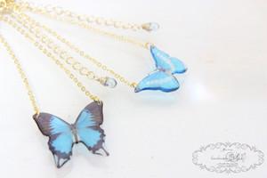 蝶のクリアネックレス(ひらひら)