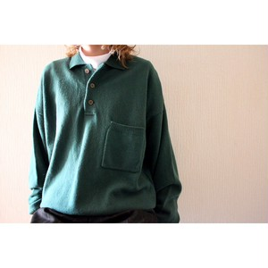 Vintage pocket sweater
