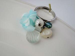 海の花と淡水パールとクリスタルシェルのリング。Sea flower