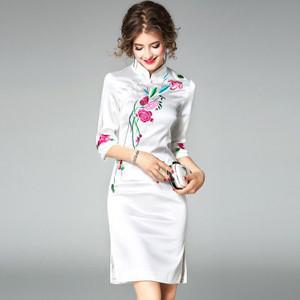 【送料無料】刺繍 花柄 7分袖 スリム チャイナドレス風 タイト 上品 ワンピース