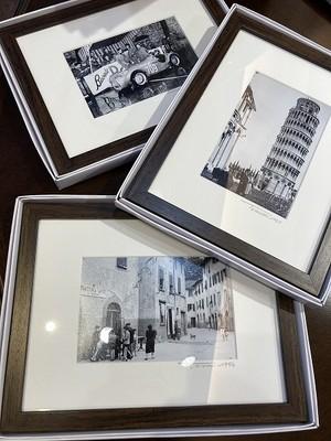 1961年撮影 トスカーナ サンタクローチェ広場 クラシックカー【281196101】