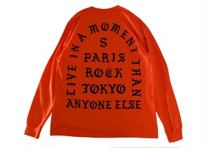 """LIVE IN A MOMENT"" LONG SLEEVE TEE"