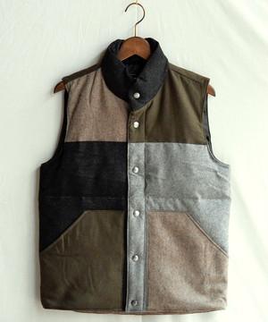 クレイジーパターンダウンベスト【Universal Style Wear】
