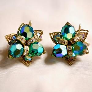 Wingback Green beads earrings