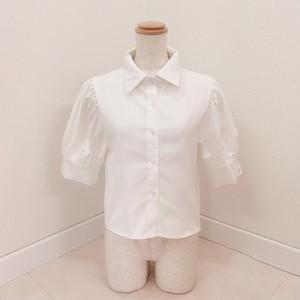 パフホワイトシャツ