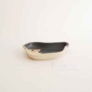 つぐみ製陶所 豆皿 ヒゲペンギン