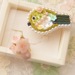 桜とメジロのイヤリング