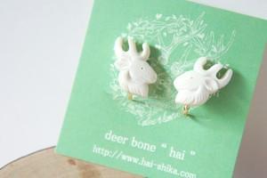鹿のピアス/イヤリング*deer bone*
