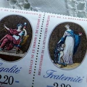 3人の美女、メダリオン切手