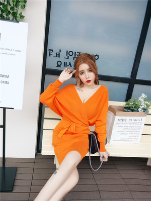 A1262. Vネック 長袖 スリム ソリッドカラー レース ロングドレス ゆるいデザイン オレンジ