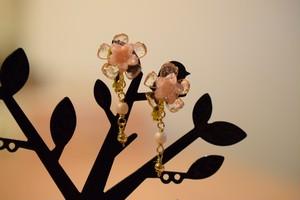 小花のイヤリング