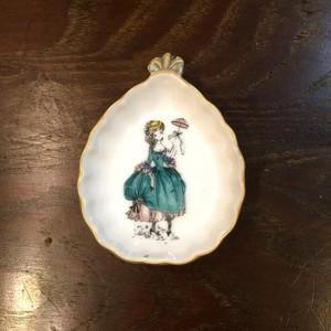 Made in occupied Japan オキュパイドジャパンの小皿【シェル型/青ドレス】